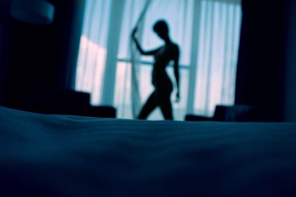 mimpi telanjang