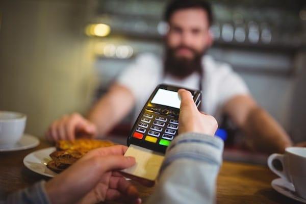 gunakan kartu kredit seperlunya
