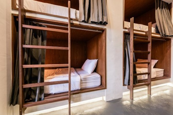 hostel backpacker di bangkok