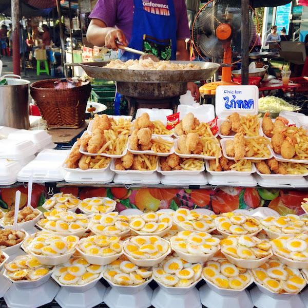 tempat makan enak di bangkok