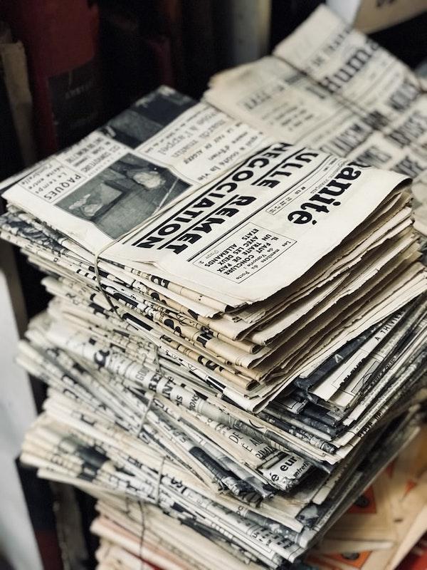 gulungan koran