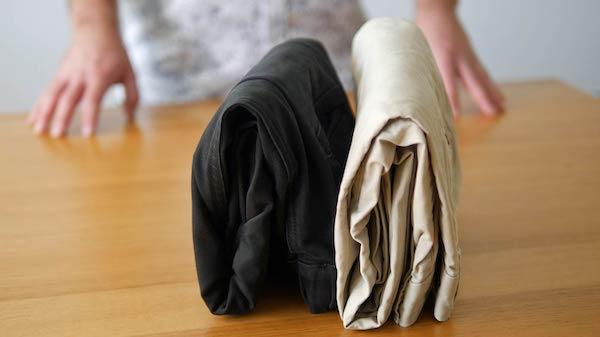 cara melipat celana panjang
