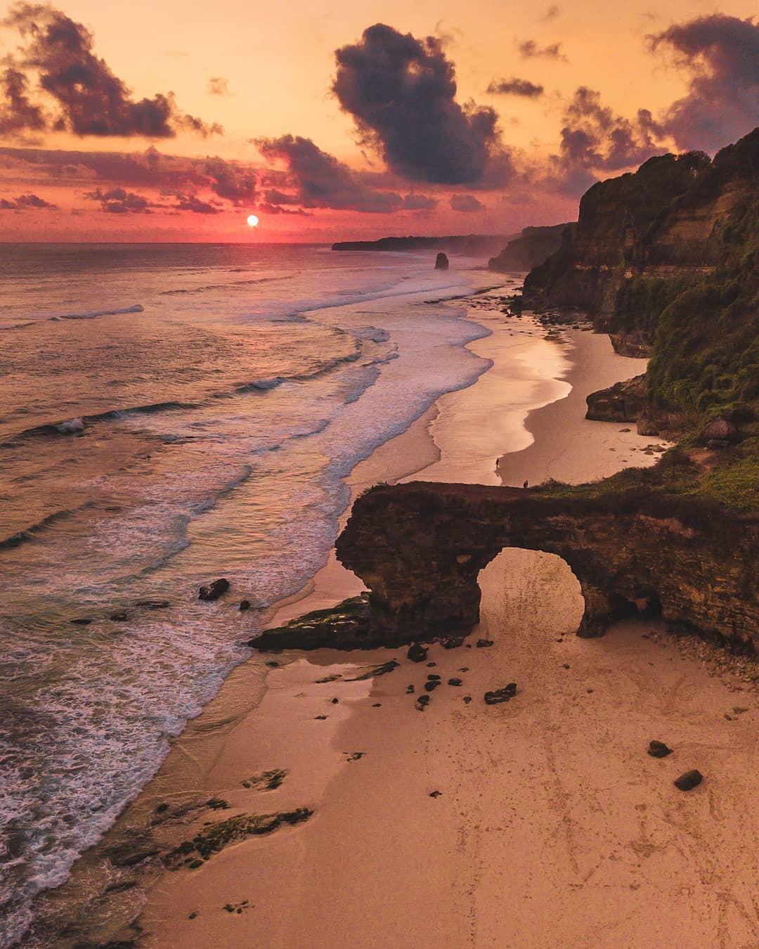 Pantai Bawana tempat wisata di sumba