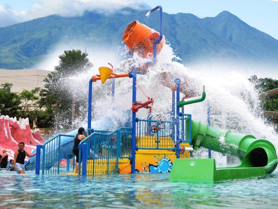 Wisata Air The Jungle Waterpark
