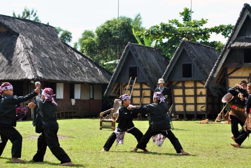 Kampung Adat Sunda Sindangbarang