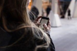 Cek Nomor Telkomsel Melalui Panggilan Telepon