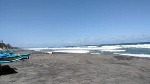 Pantai Kuwaru Bantul