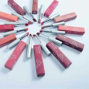 Intense Matte Lipstick shade Easy Brownie
