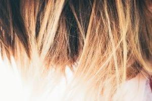 Rambut Lebih Tipis, Rapuh, dan Rentan Patah