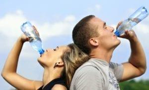 Banyak mengonsumsi air putih