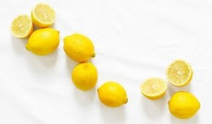 gula pasir dan lemon