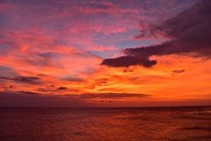 Kapal carter di Pantai Senggigi