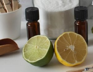 Campuran Minyak Kelapa, Ekstrak Green Tea, Lemon, dan Jeruk Nipis