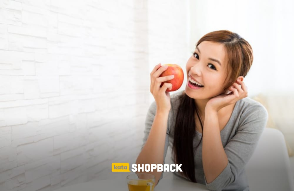 7 Makanan yang Terbukti Ampuh Menghilangkan Bau Mulut Saat Puasa