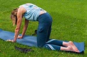 5 gerakan yoga untuk redakan sakit pinggang akibat terlalu