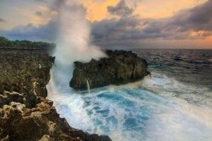 pantai water blow