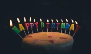 tradisi ulang tahun