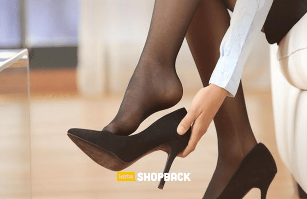 Tips Nyaman Memakai Sepatu Hak Tinggi Bagi yang Belum Terbiasa