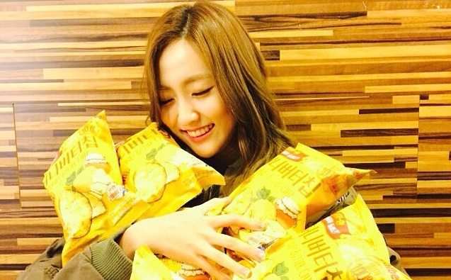 If You Love All Things Hallyu, You'll Love These 6 Yummy Korean Snacks!