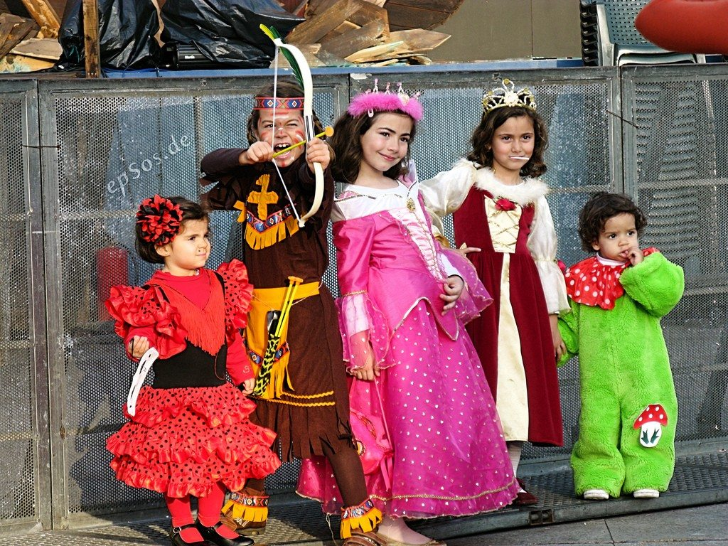Children's Dress-up and Costumes