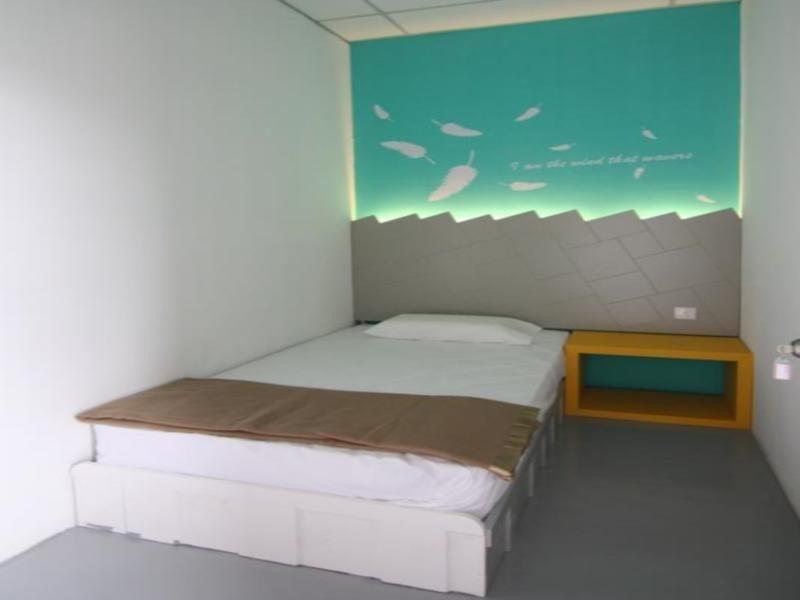 Warm Blanket Hostel