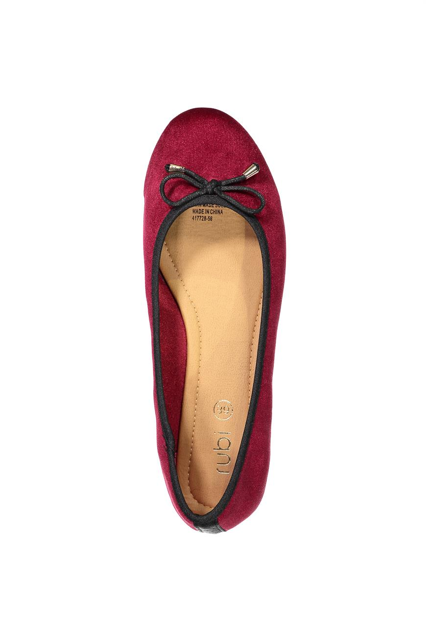 Add Some Colour To Your Outfits With These Flats From ...