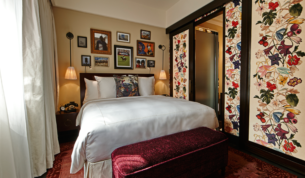 Hotel Vagabond glamorous royalty
