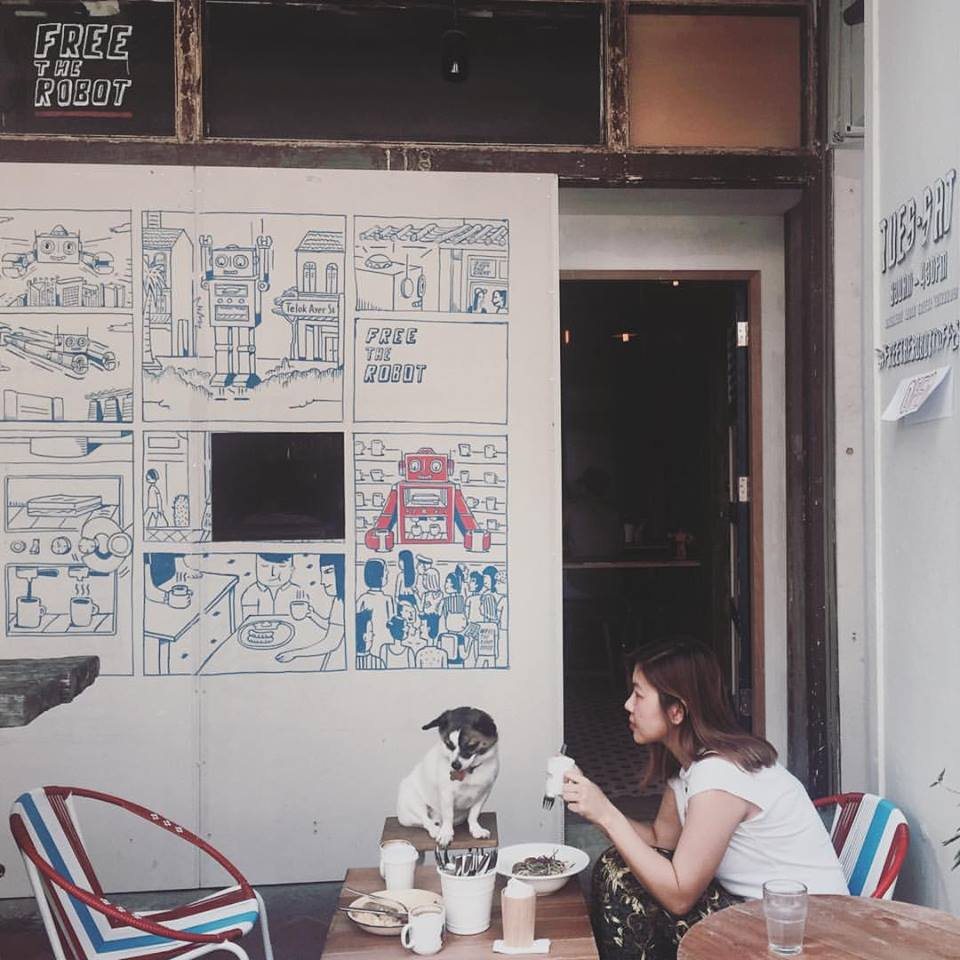 Free The Robot Cafe in Singapore