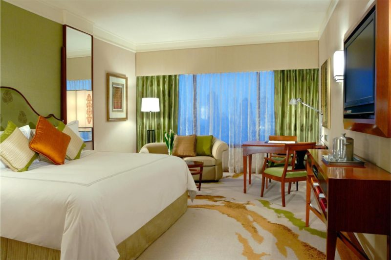Get great discounts from HotelQuickly and stay at luxurious hotels like Sheraton Imperial.