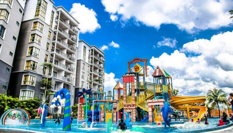 The waterpark with the Gold Coast Morib hotels behind