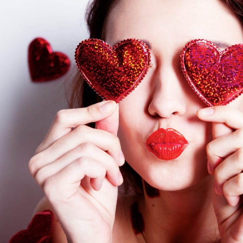 heart eyes girl
