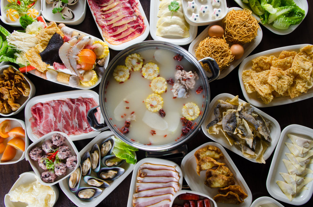 chinese new year steamboat