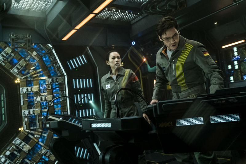 zhang ziyi and daniel bruhl in the cloverfield paradox