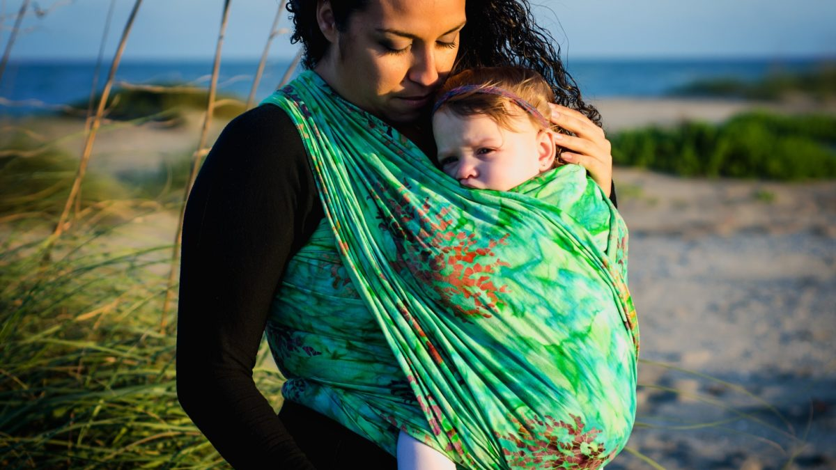 Babywearing: Pros and Cons And How You Should Be Doing It