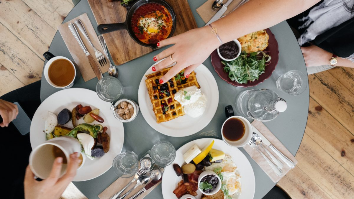 Buffet Tricks: How to Eat More for Less at Buffets