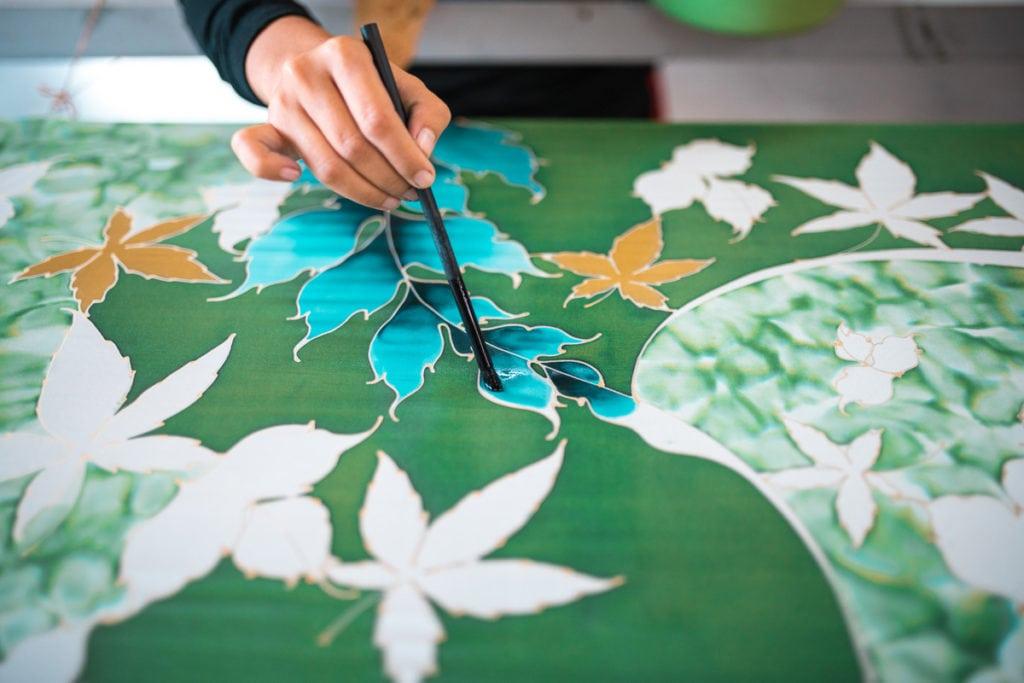 Batik leaves painting in green