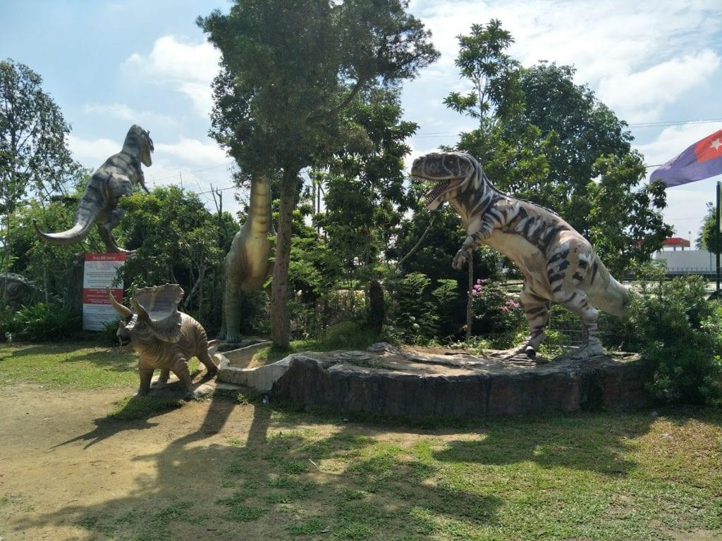 Dinosaurs in outdoor garden