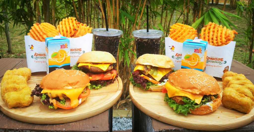 2 bruger platters with fries and drinks