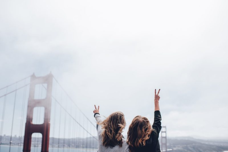 Women at Golden Gate Bridge