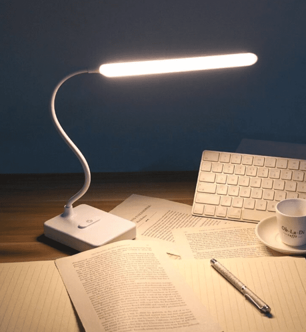 minimalistic desk lamp suitable for the eyes