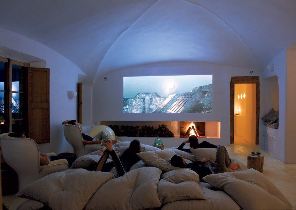 5 Ways To Transform Your Room Into The Perfect Home Cinema