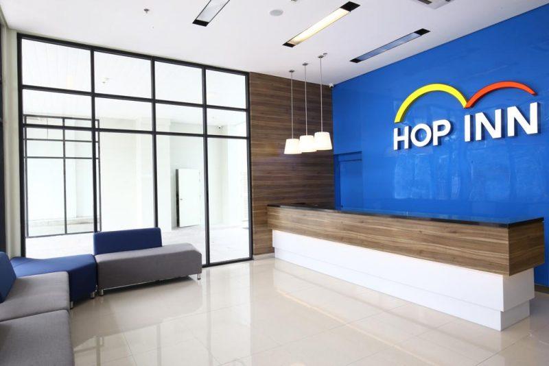 hop inn hotel lobby