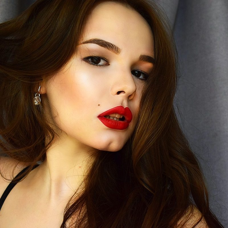 Red Lips Lipstick Make Up Trend