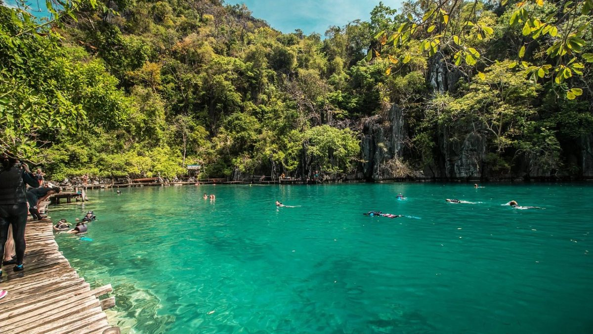 Alternative Islands to Visit in The Philippines Now That Boracay Is Closed