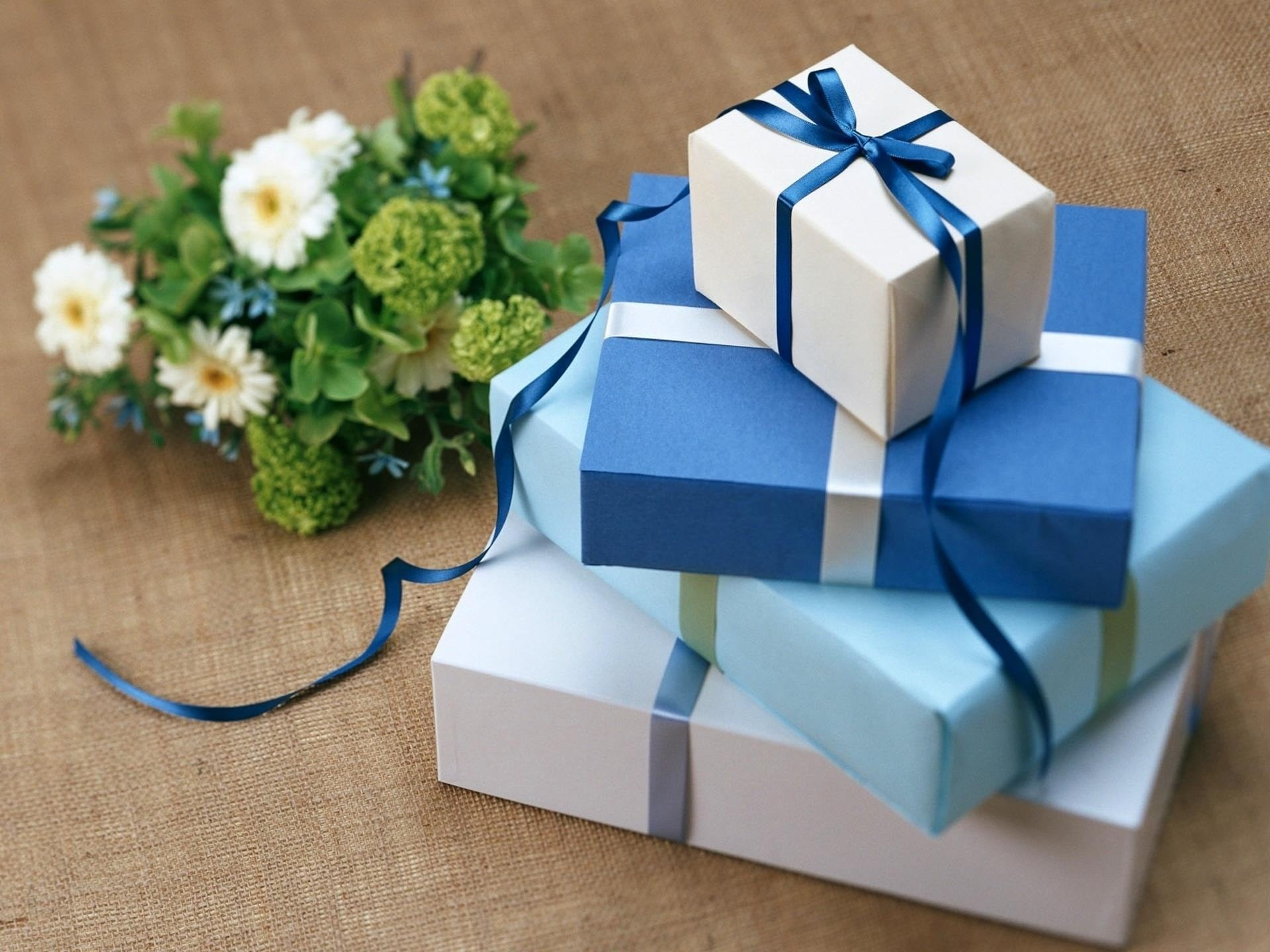 5 Great Wedding Gift Ideas To Surprise Your Best Friend In