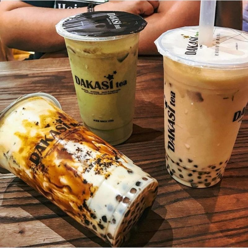 3 different kinds of Dakasi bubble tea on brown table