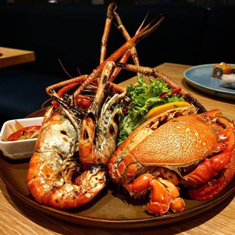 Seafood platter with prawn and crab