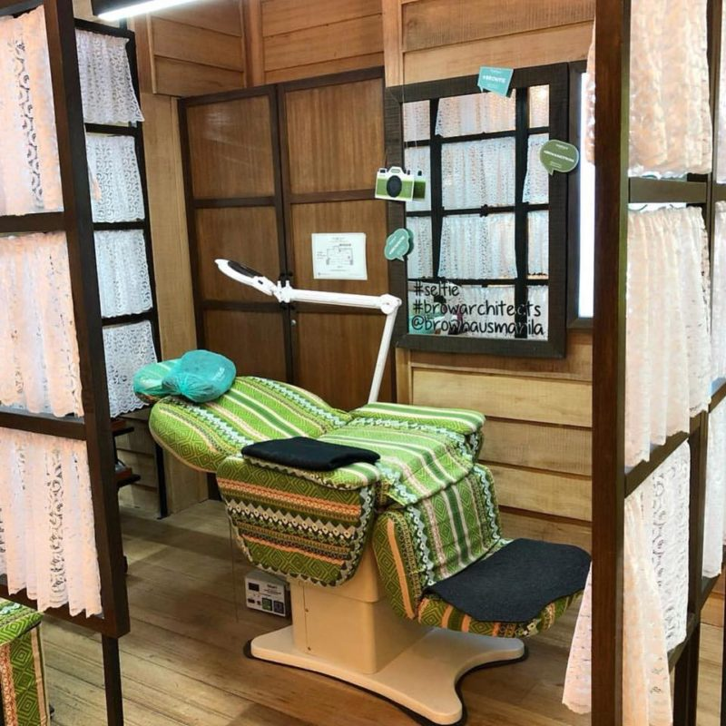 Eyelash extension chair
