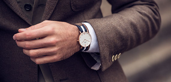 3 before - Prices for Daniel Wellington watches vary from 2