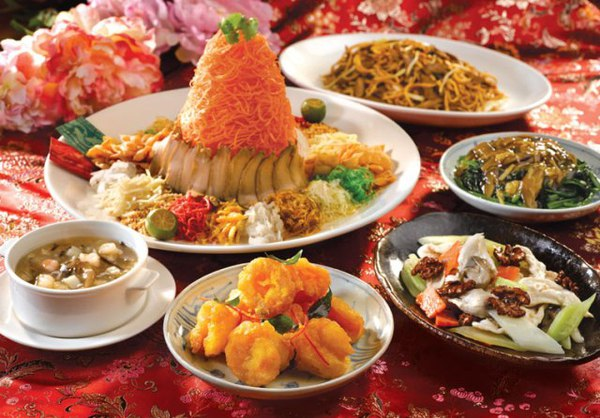 What You Need To Host The Greatest CNY Reunion Dinner EVER!